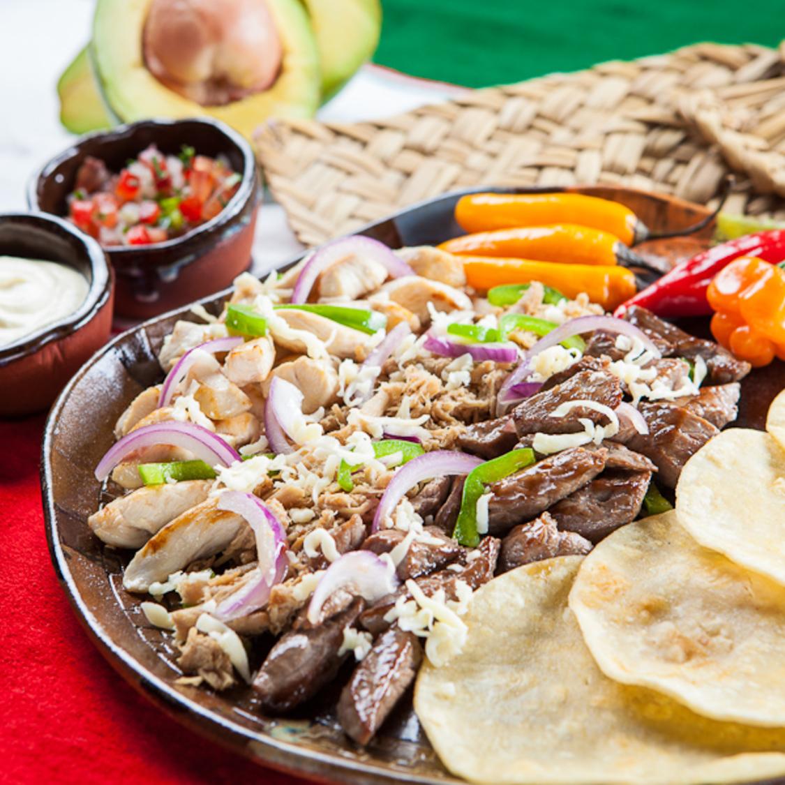 Guacamole Cocina Mexicana - Porto Alegre Guacamole Cocina Mexicana - Porto  Alegre ... 3d0fd38adf