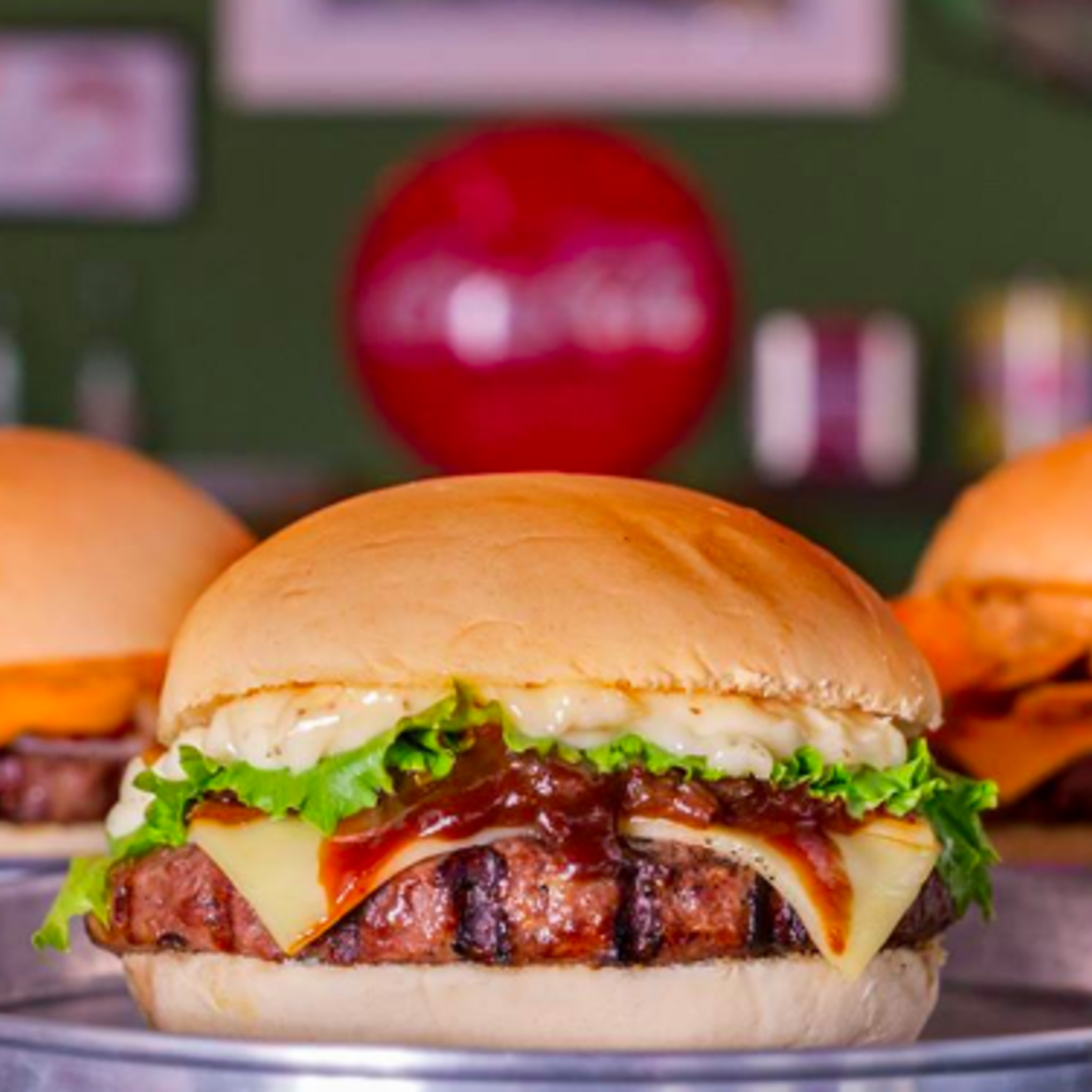 Barney's Burger - Parque Manibura